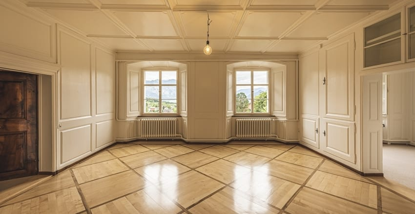 Connecting Hall with Rooms